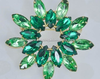 Vintage Unsigned Shades of Green Rhinestone Wreath Brooch