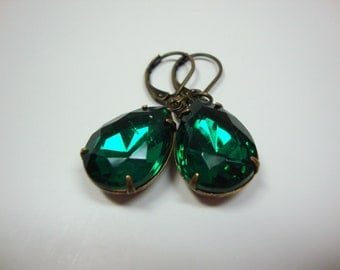 Vintage Style Emerald Pear Shaped Antiqued Brass Earrings