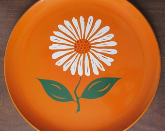Round Orange Laquer Tray with Daisy, Laquerware, Orange Tray, Circle Tray, Large Tray, Mod, Floral, Japan, Japanese, Platter, Cocktail Tray