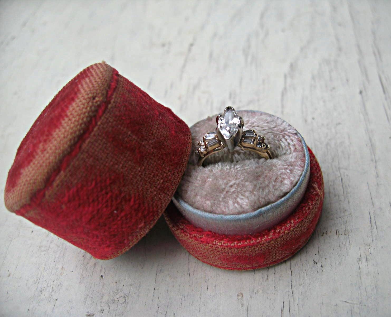 vintage velvet ring box presentation engagement ring box