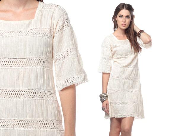 Boho Hippie Dress 70s Mini Crochet Lace Cut Out Bell Sleeve 1970s Pintuck Bohemian Chic White Cotton Vintage Tunic Festival Dress Medium