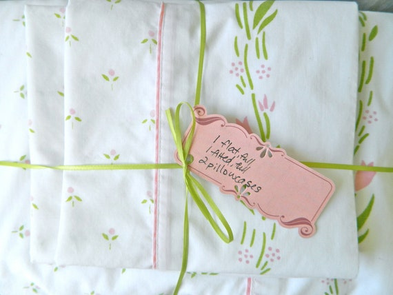 Vintage Laura Ashley full sheet set in preppy pink and green