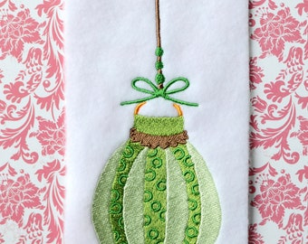 Green Bauble, INSTANT DIGITAL DOWNLOAD, Christmas Embroidery Design for Machine Embroidery 5x7