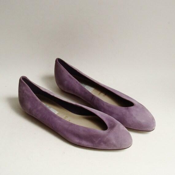 shoes 7.5 / lilac purple suede flats / pastel purple suede / shoes size 7.5 / 80s 1980s flats / vintage shoes