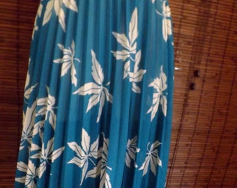 Vintage Semi Sheer Turquoise Leaf Print Boho Pleated Midi Swing skirt M