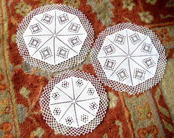 Doily DOILIES Table RUNNER Scarf Matched SET 3 White Hand Crochet Crocheted Lace