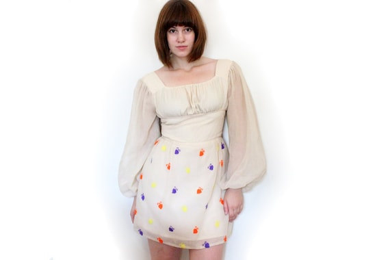 Vintage Cream Dress - 60s Mod Mini with Embroidery - S/M