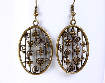 Antique brass filigree oval drop dangle earrings (565) - Flat rate shipping