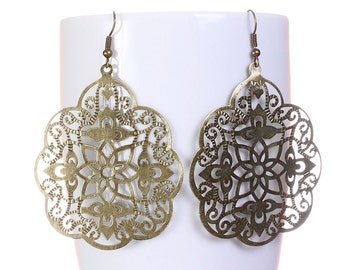 Large antique brass filigree drop dangle earrings (587) - Flat rate shipping