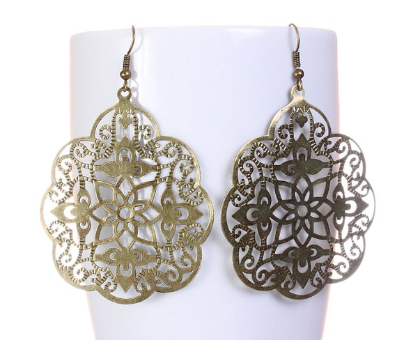 Large antique brass filigree drop dangle earrings (587) - Flat rate shipping