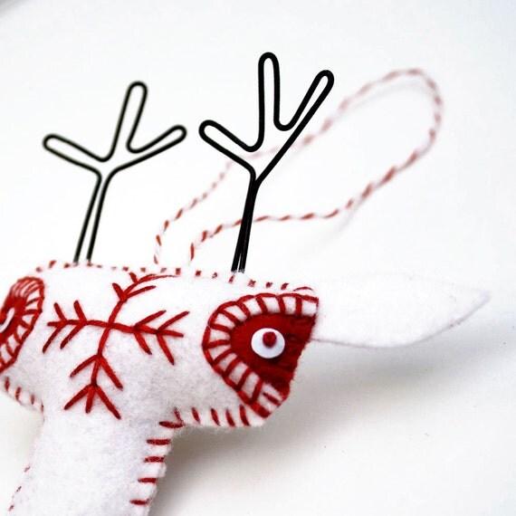 Folk Art Reindeer Christmas Ornament - Scandinavian Whte Felt Reindeer Ornament - plush reindeer - felt ornament - white and red trim