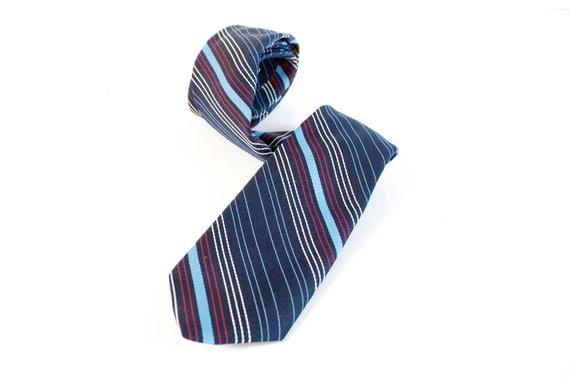 Vintage 1950s blue skinny striped Brittania Necktie