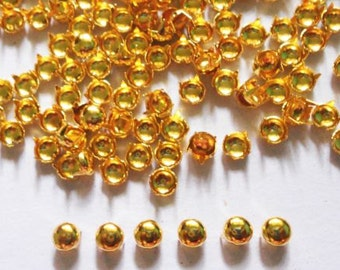 200 pcs  Gold Tone Tiny Round Stud spot spike for apparel - size 5 mm