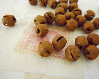 Bells, 6mm Primitive Rusty Metal - Pack of 20