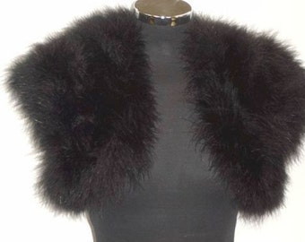 HOLLYWOOD VINTAGE GLAMOUR - Marabou Feather Shrug Wrap Stole Bolero Jacket - Black - Plus sizes available