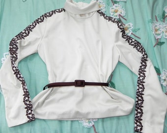 Vintage 1960s Embroiderd Sleeves Top - 60s Cream And Chocolate Ladies shirt With Belt - on sale