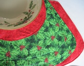 Wedge Green Holly Christmas Placemats for a round table Reversible set with optional circular centerpiece Wedge Green Holly Placemats