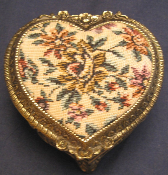 vintage needlepoint jewelry box heart by vintagejewelsandmore