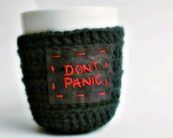 Coffee Mug Cozy Tea Cup Dont Panic black red crochet