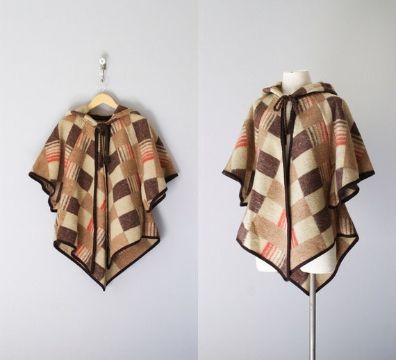 SALE.. 70s cape / 1970s wool hooded poncho / Canyonlands cape