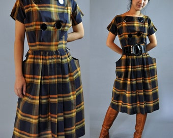 Vintage 50s Dress / 50s DAY DRESS / Plaid Cotton Day dress / Large Buttons Dolman Sleeves & Side Pockets s / small