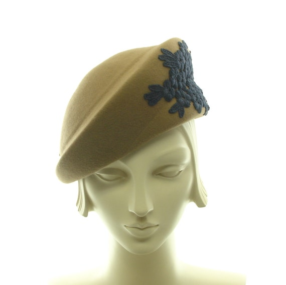 Tan Beret Hat for Women - 1940s Style Hat - Dark Tan Fur Felt Hat - Dark Blue Applique