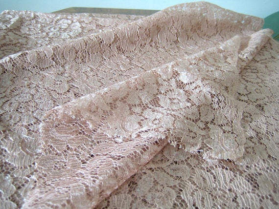 1930s lace fabric piece / stunning rayon lace yardage in dusky rose