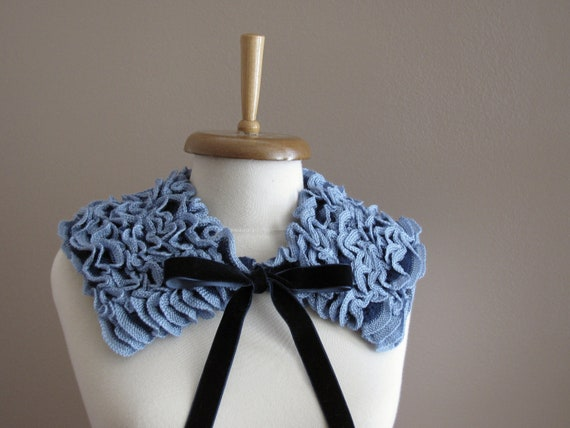 Blue Ruffled Scarflette and Grey Bow Beret
