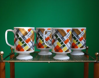 Set of 4 Vintage Ceramic Mugs
