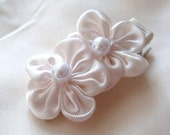 White Satin Flowers Hair Clip with pearls, Flower Hair Clippie for Babies Children, Baby Hair accessory, Party favor, New born photo shoot