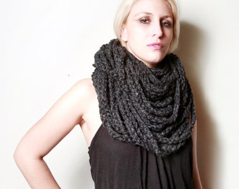 SALE - The Sawmill Infinity Chain Circle Scarf in Charcoal Grey