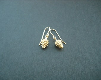gold pine cone earrngs