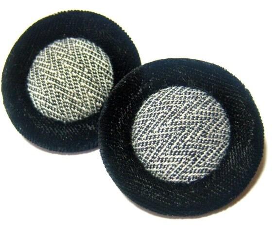 black velvet large round pierced vintage earrings SB