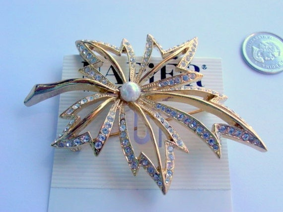 Vintage Leaf Pin, Signed Designer Napier Brooch Rhinestone and Glass Pearl Original Card Vintage Jewelry Gold Tone Jewellery