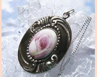 Porcelain Mauve Rose - Sterling Silver - Necklace  DE 8000