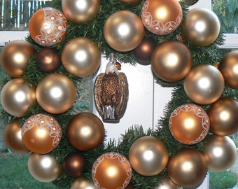 American Eagle Golden Handsome Holiday Wreath