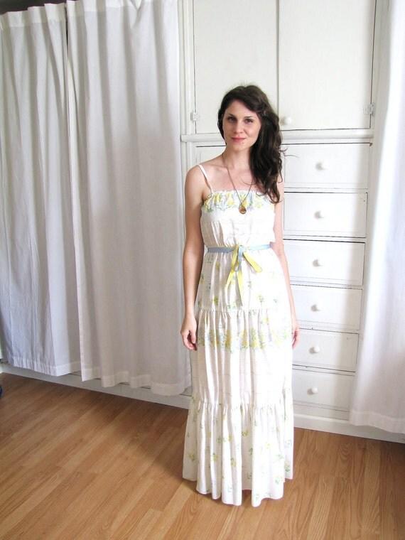 1970's Maxi Dress / Eyelet Print Dress / Boho Wedding