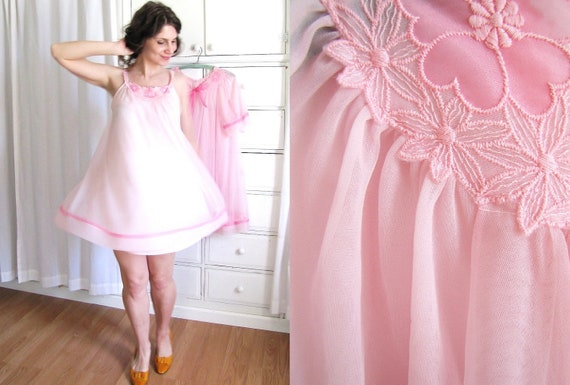 Vintage 1960's Pink Nightie and Peignoir Set / Tent Style