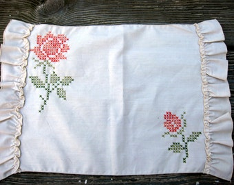ON SALE - Rose Placemat Set Embroidered with Napkin - Table Linens - Rose