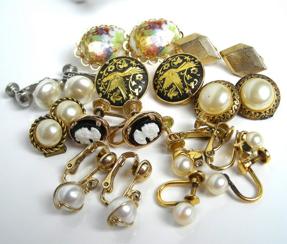 HOLIDAY SALE Vintage Destash Earring Lot 10 Pair Some Signed