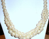 Creamy Off White Faux Pearl Beads Necklace Free Ship