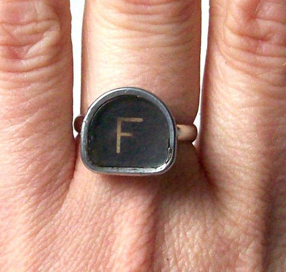 vintage black & white typewriter key ring letter F silver statement ring modern retro fashion unique initial personalized