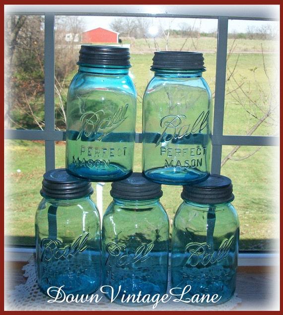5 blue ball mason jars quart size vintage. Black Bedroom Furniture Sets. Home Design Ideas