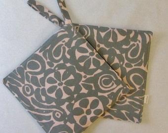 "MARIMEKKO pot holder, hostess/ house warming gift, authentic vintage fabric called ""Katjusa"" from Finland, Handmade certified"