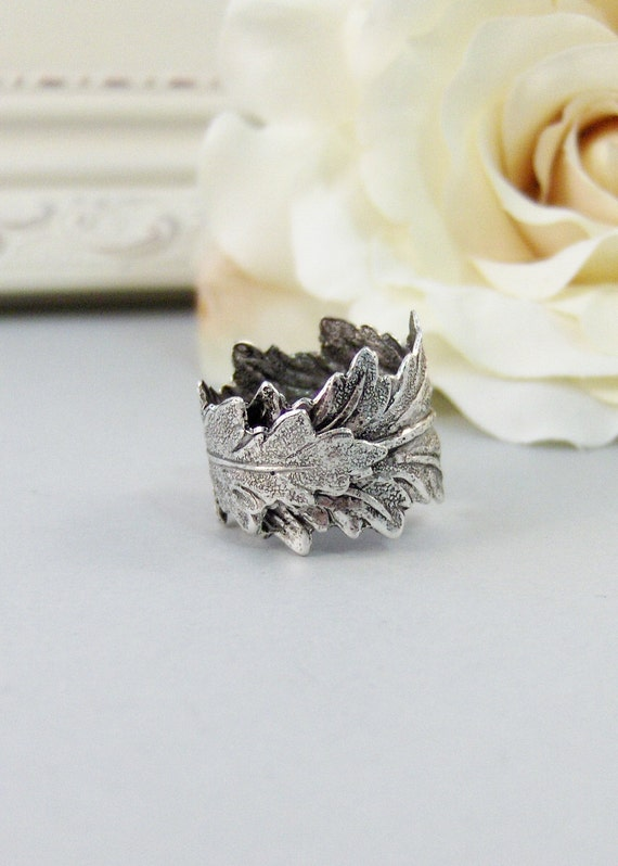 Silver Leaf,Ring,Leaf Ring,Twigg Ring,Silver Leaf Ring,Silver,Leaf,Twigg,Branch,Antique Ring,Silver Ring,Woodland,valleygirldesigns.