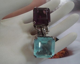 Art deco vintage sterling silver large fur clip in blue and purples stone