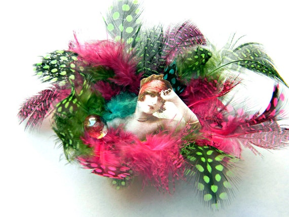 Feather Magnet with Vintage Image, Miniture Altoid Tin, Assemblage Piece, Pink and Green