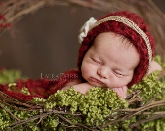 Red Crocheted Christmas Bonnet. Cranberry. Newborn Photogrpahy Prop. Knit Hat. Baby Girl.
