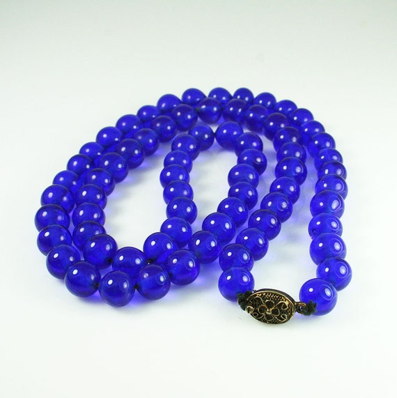 antique cobalt blue peking glass bead necklace