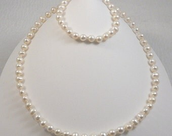 4 pc white freshwater pearl jewelry set necklace bracelet 2 pairs earrings gold filled knotted on silk